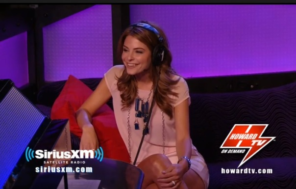 maria menounos on howard tv